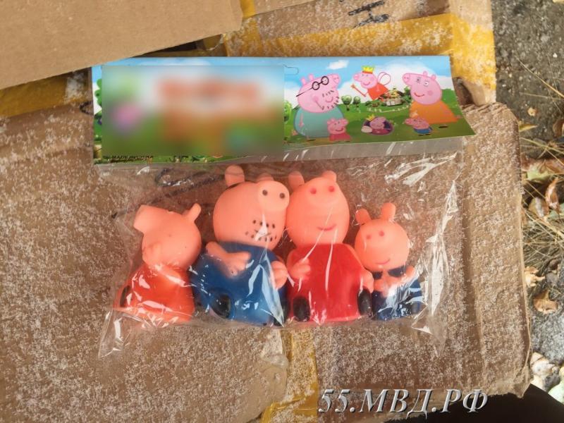 Омские силовики забрали у предпринимателя больше 1600 детских игрушек