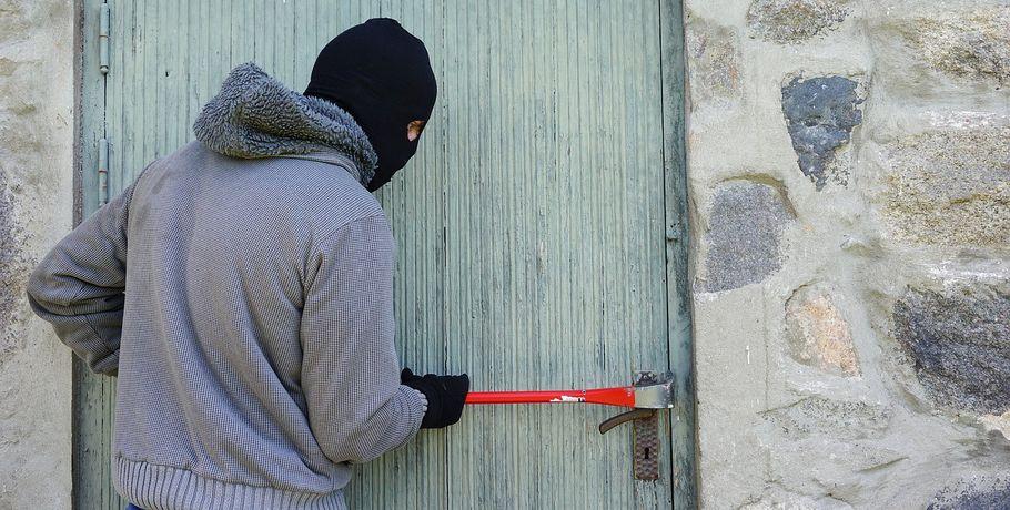 ВОмской области преступник разобрал печку исдал еевметаллолом