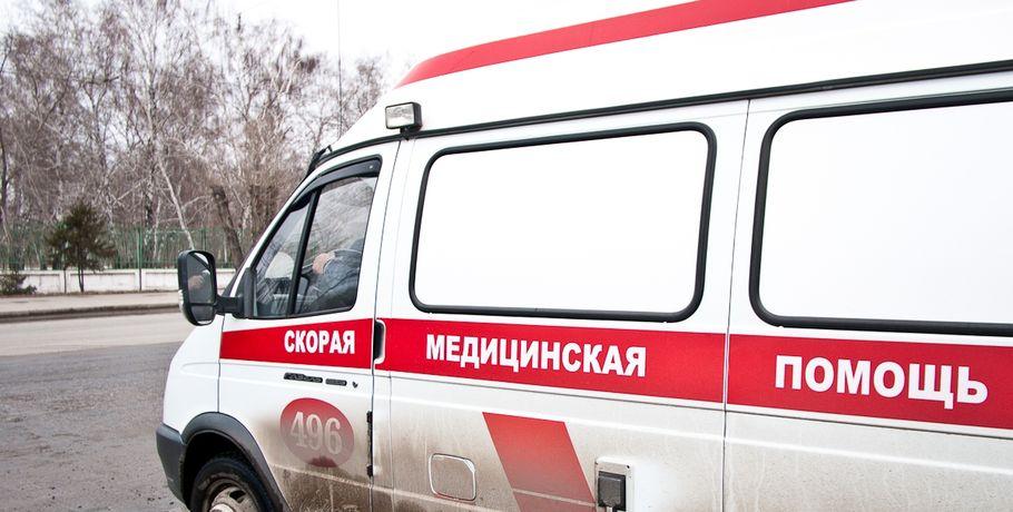 ВОмске шофёр ЗИЛа врезался встоявшую иномарку и умер