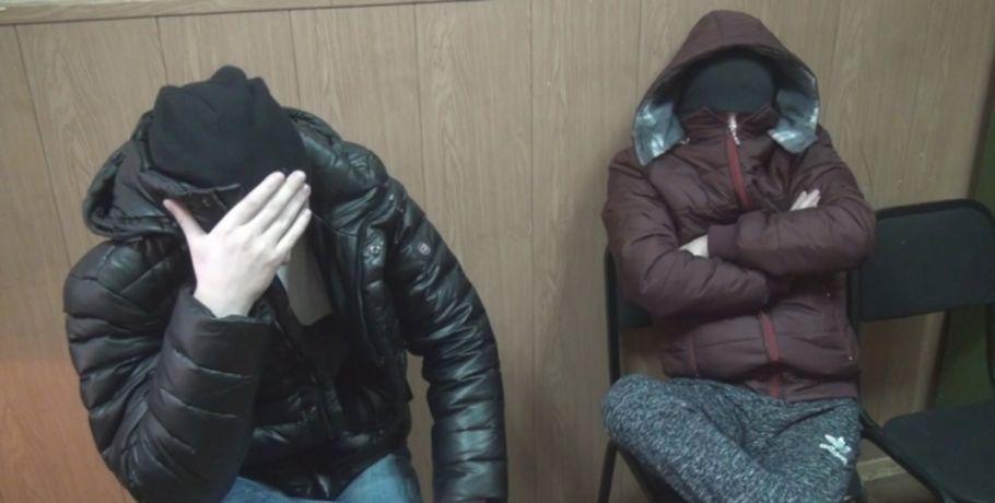 ВОмске задержали «дистанционных мошенников», которые одурачили граждан России на 500 000 руб.