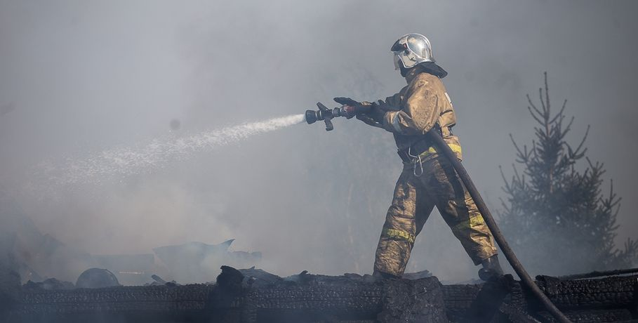 Пожар вцехе попроизводству пиломатериалов вОмске локализован