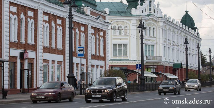Вцентре Омска столкнулись 6 авто