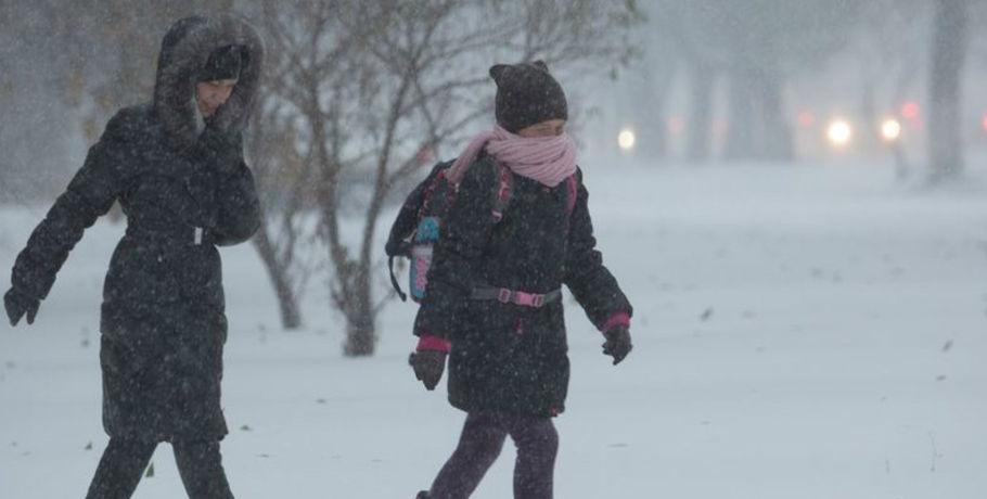 ВОмской области объявлены штормовые иэкстренные предупреждения