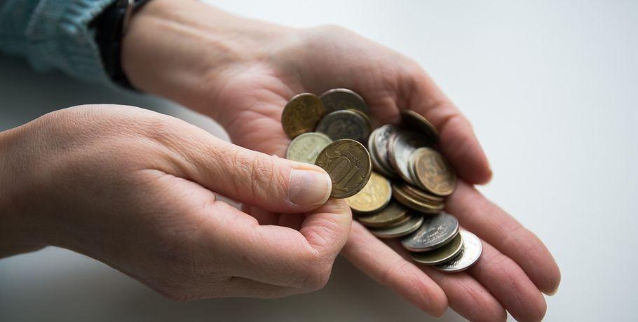 «Сотрудница банка» оставила омскую старушку без 200 тыс. руб.
