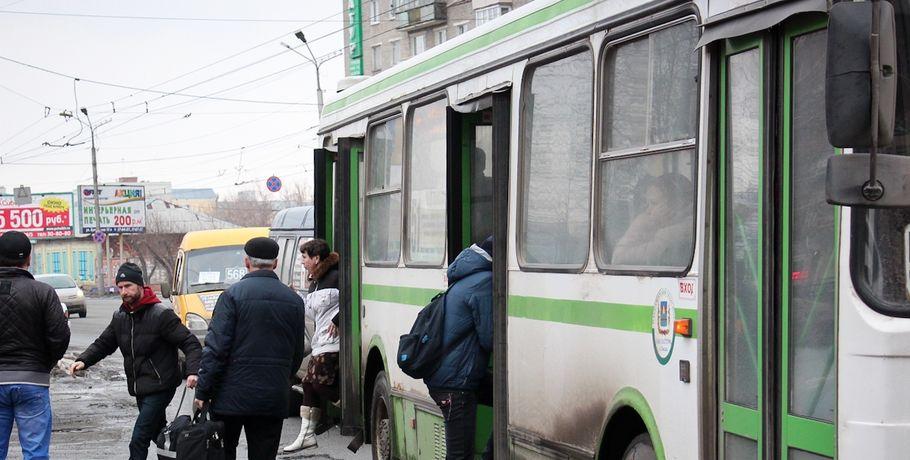 Мэр Омска предложил выделить еще 100 млн руб. пассажирским учреждениям
