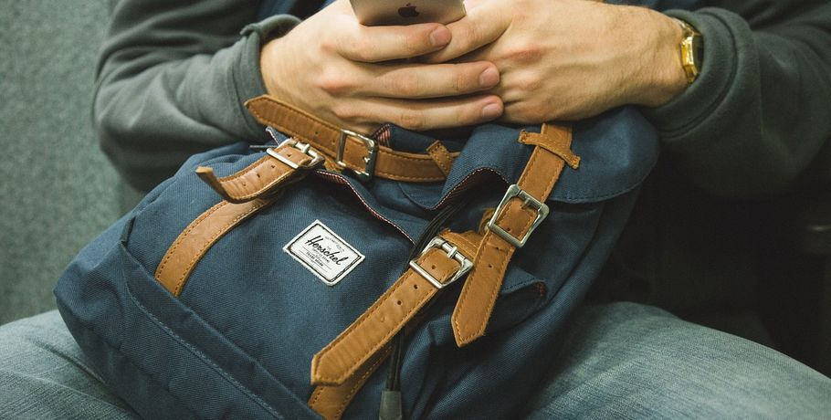 Омич похитил ивынес сработы сейф в своем рюкзаке