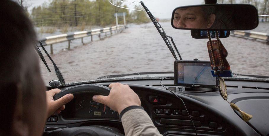 ВШербакульском районе Омской области подтопило дорогу
