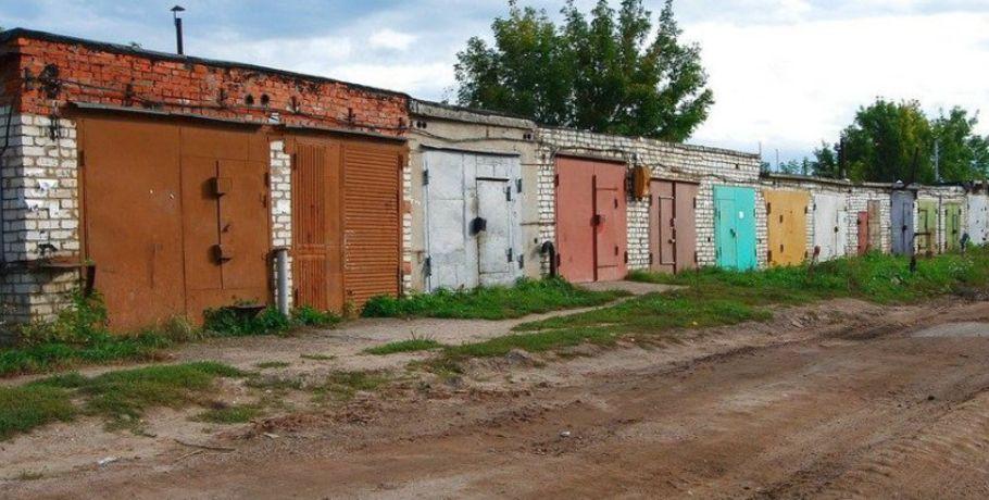 Омич похитил упенсионера железный гараж