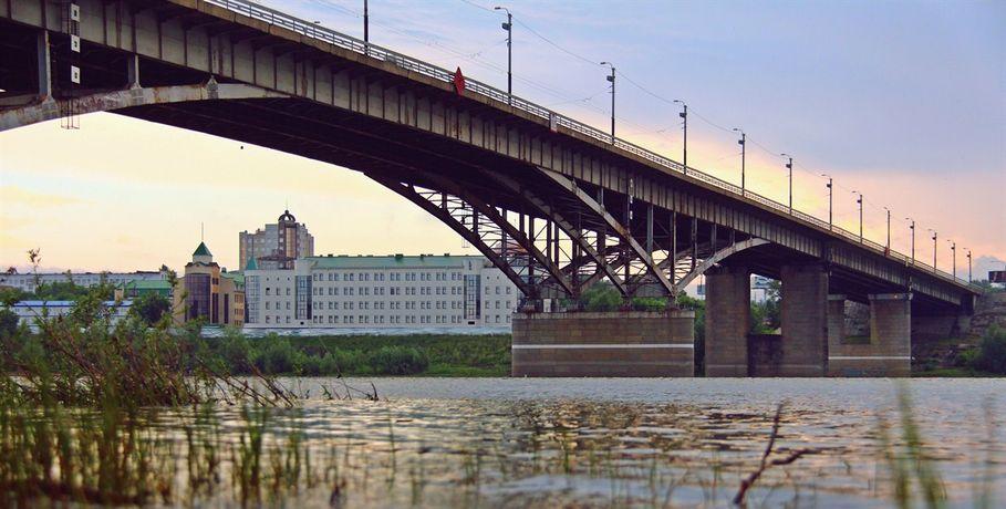 Суд обязал омские власти провести диагностику моста Имени 60-летия ВЛКСМ