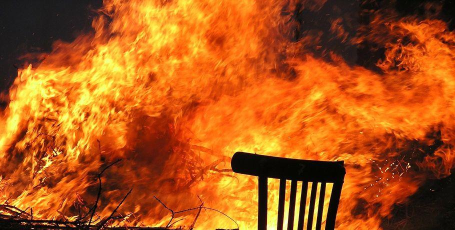 Под Омском произошел интенсивный пожар, вкотором скончался хозяин частного дома