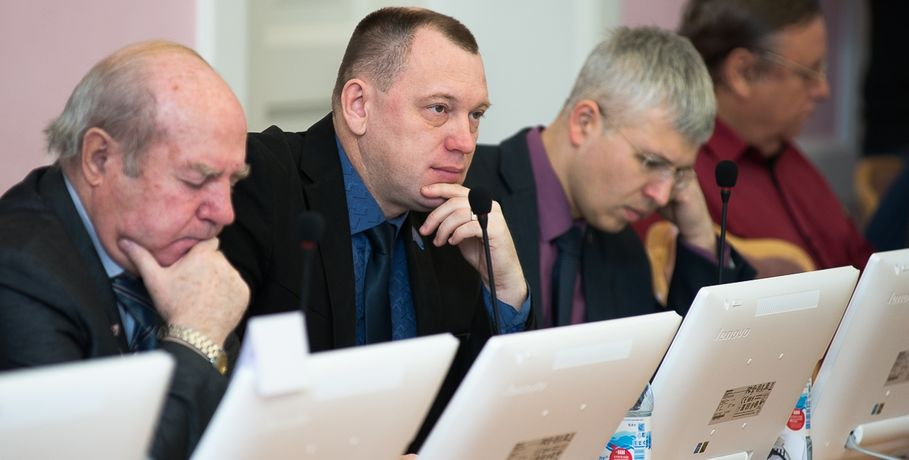 Кандидатам вмэры Омска, снявшимся сголосования, хотят запретить участие ввыборах