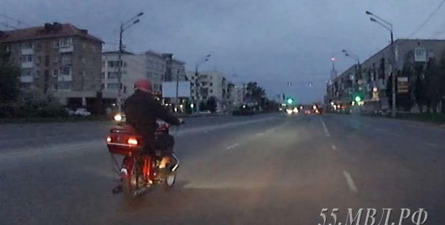 ВОмске полицейские гонялись за нетрезвым мотоциклистом поночному городу