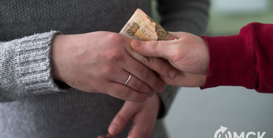 На 3-х лже-пациентах омский врач-терапевт заработал 6 тыс. руб.