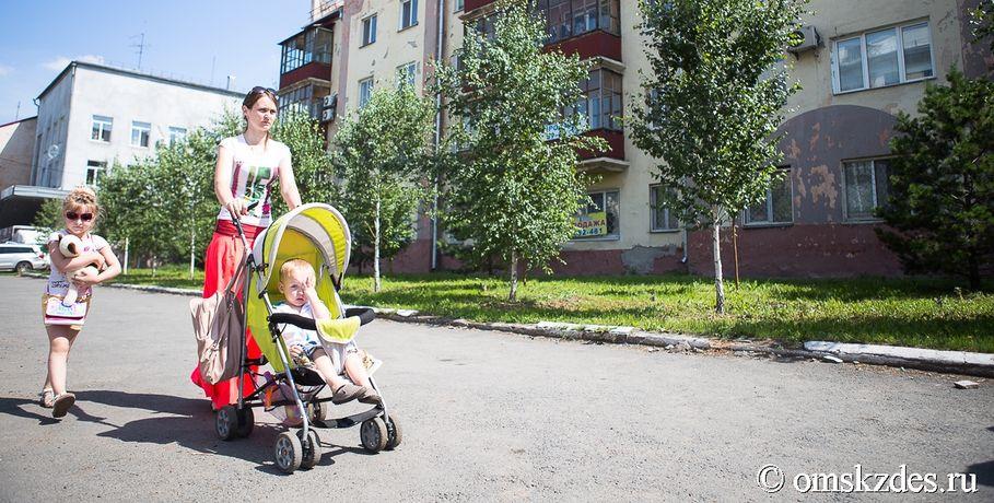 ВОмской области резко упала рождаемость