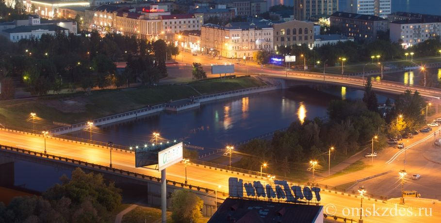 Мэрию Омска заставляют освещать проблемную дорогу настыке округов