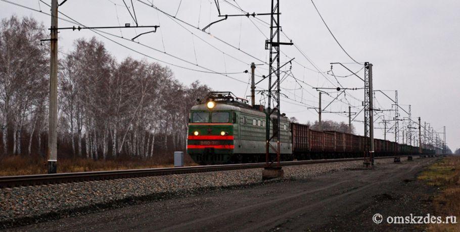 Мотоцикл врезался впоезд напереезде: двое погибли