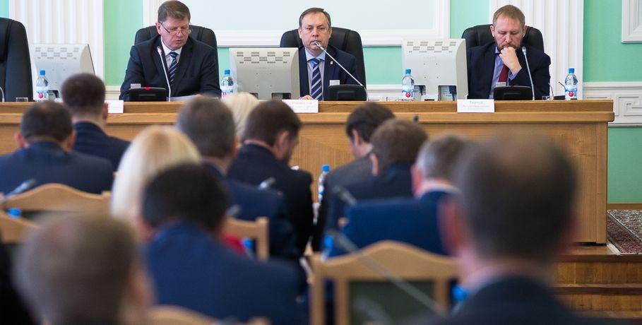 Cправедливороссы определились счленом комиссии повыборам главы города Омска