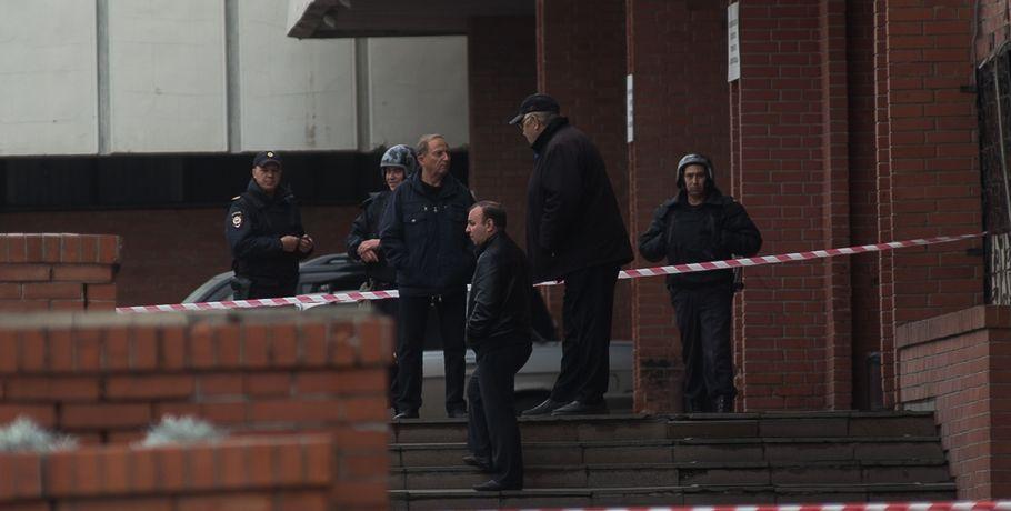 ВОмске из-за неизвестных  звонков эвакуировали мэрию ишколы