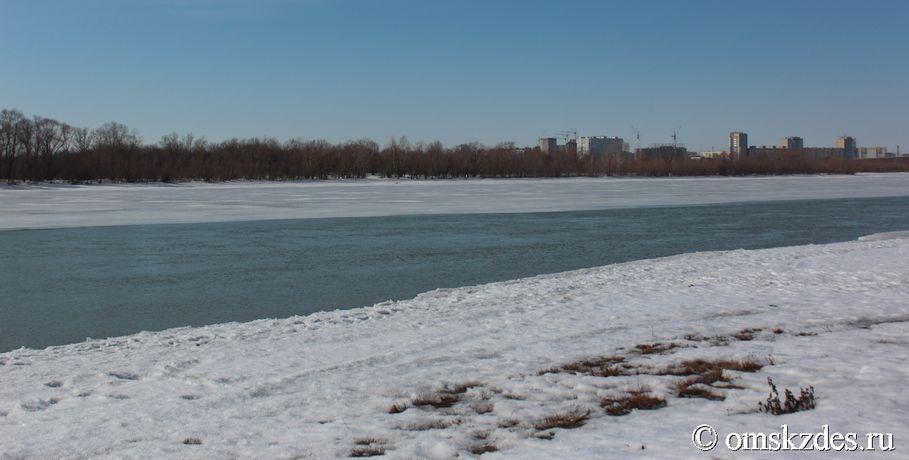 ВОмской области «шестерка» провалилась под лед