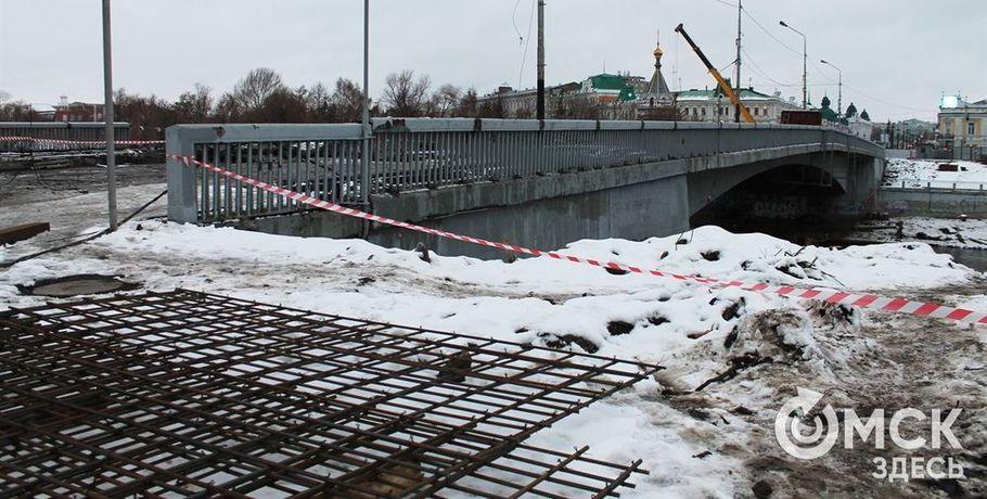 Ремонт Юбилейного моста затормозила бетонная плита неизвестного назначения