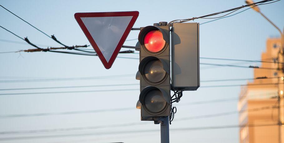 ВОмске светофоры наулице Богдана Хмельницкого заработают подругому
