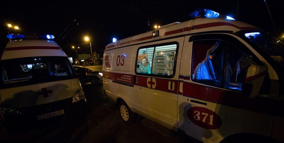 """В лобовом столкновении возле омского """"Метро"""" погиб молодой водитель"""
