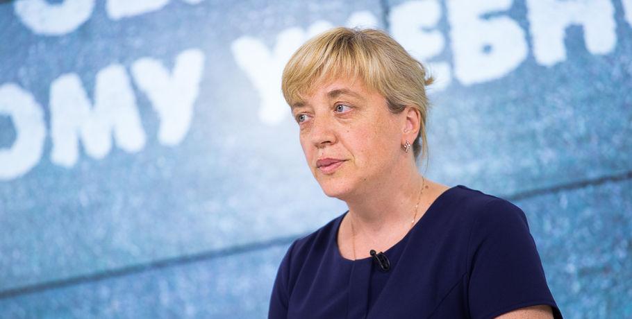 Екатерина Спехова уволена споста директора департамента образования свыговором