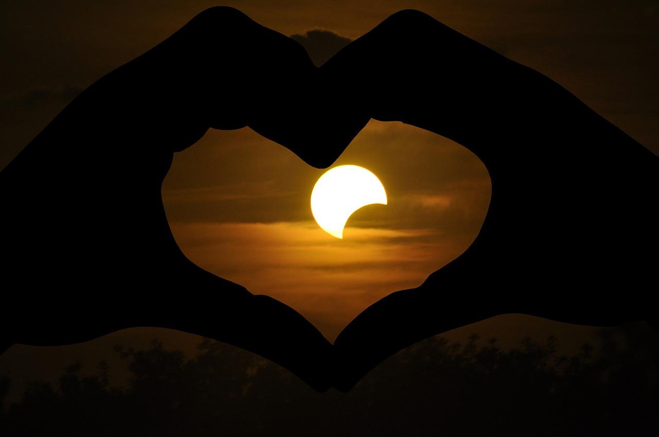 В этом году омичи смогут наблюдать парад планет и солнечное затмение - Общество