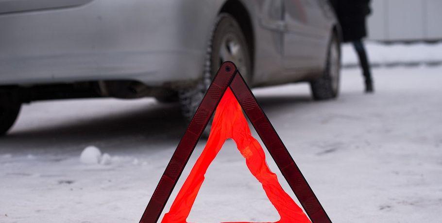 Автоледи наMercedes BenzML протаранила иную иномарку надороге под Краснодаром