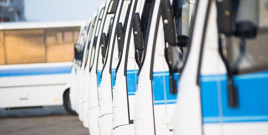 ВДень города омичей после фейерверка развезут практически 80 автобусов итроллейбусов