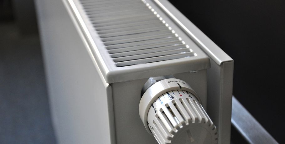 В дома омичей запускают отопление