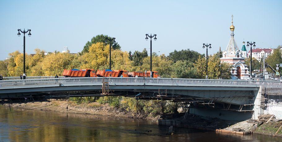 Не дрифтовали, но проехали: Юбилейный мост выдержал 12 КамАЗов