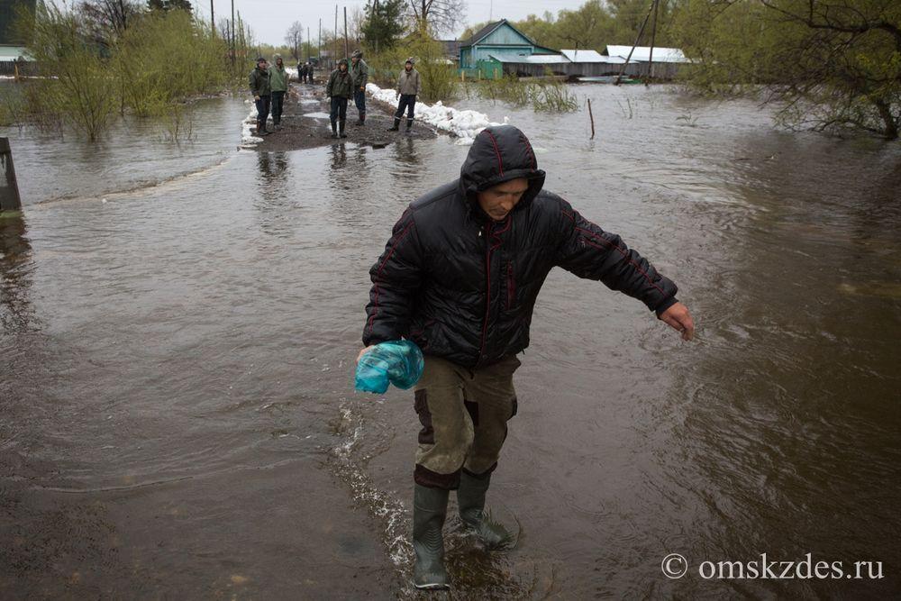 Усть-Ишим. Подтопленнаяв результате сильного разлива Иртыша и Ишимаулица Советская