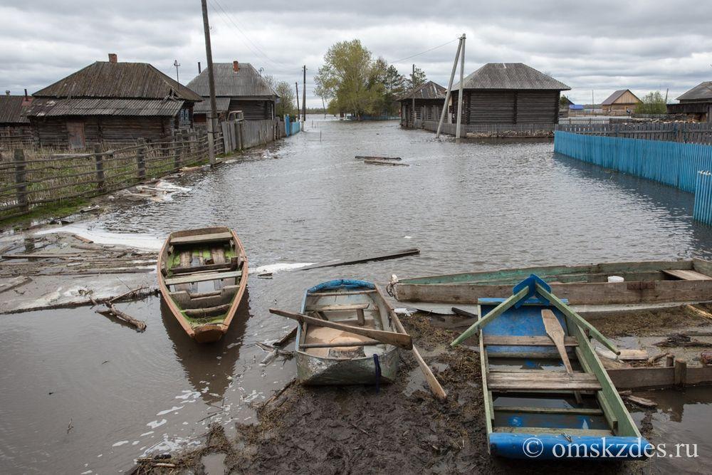 Затопленные улицы и дома в селе Эбаргуль, Усть-Ишимский район