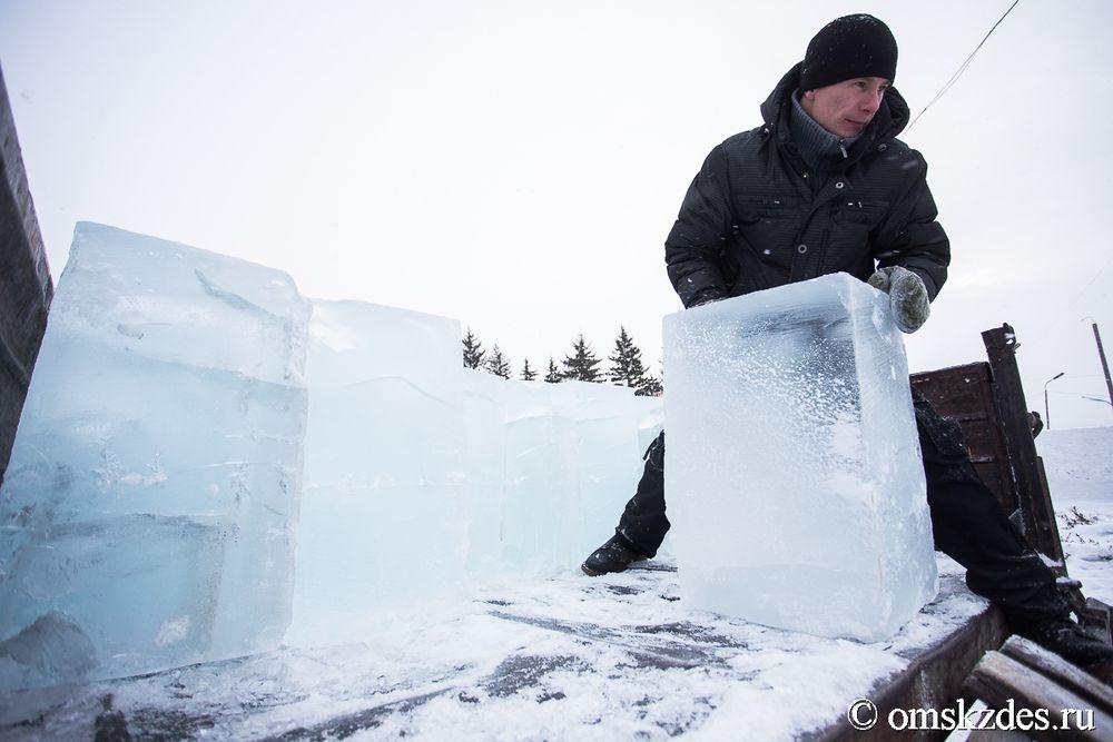 ёлка из льда фото