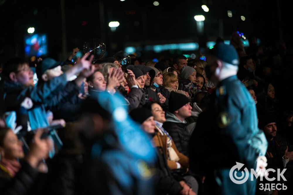 День города, который на этот раз праздновали неделю, завершился выступлением звезды российской эстрады Владимира Преснякова. Фото: Илья Петров